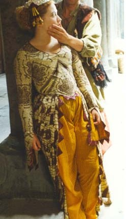 Anne tilby mozart costume