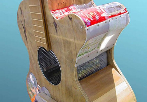 tilby SAS guitar detail